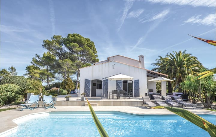 Beautiful home in Valbonne with WiFi and 5 Bedrooms