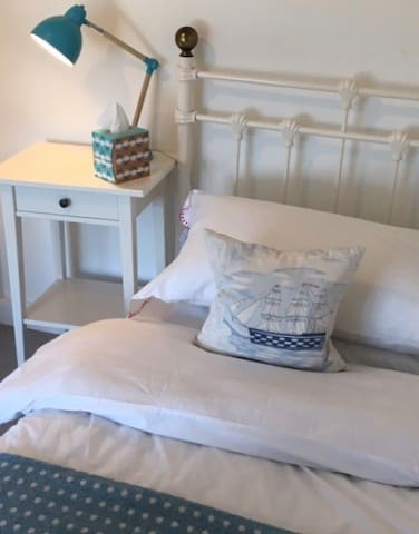 Single bed overlooking Falmouth Harbour