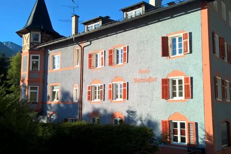 Modern studio in Burmesterhaus