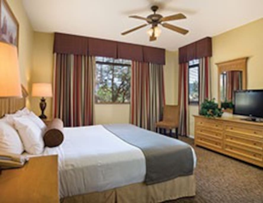 LUXURY MASTER BEDROOM WITH KING BED