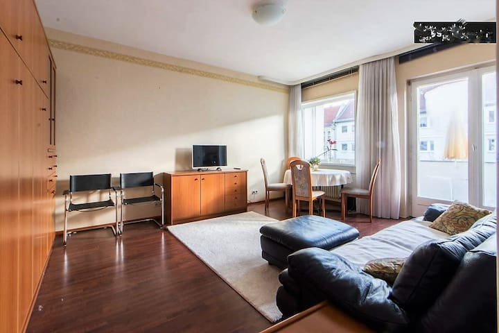Central, sunny, 4th floor apartment with balcony