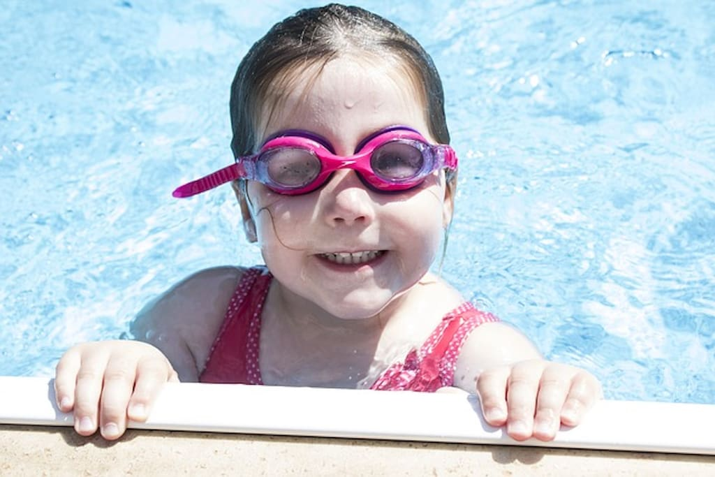 What a happy pool face ! Create your own family memories.