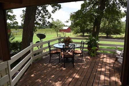 Country Hide Away sleeps 5 - Bryan - Talo