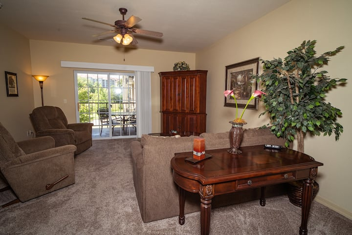 1 King Bed, 1 Bath Golf Condo with Full Kitchen