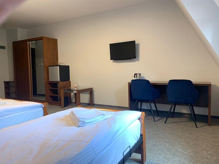 Pokój 3-osobowy z 2 łóżkami