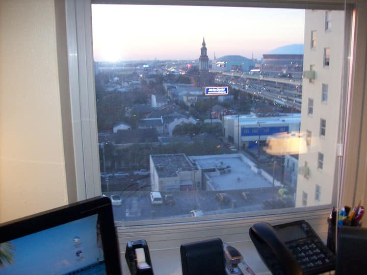St. Charles Ave Condo-Easy walk, Whse Dst/Frch Qtr