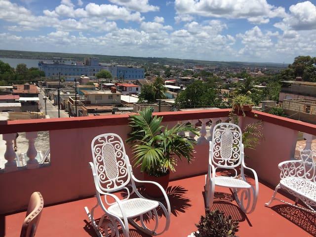 Hostal El Mirador de Matanzas 1  Cuba  wifi free.
