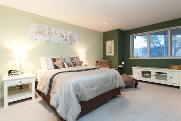 Lovely Large Private Suite in Downtown Los Gatos - Los Gatos - Huis