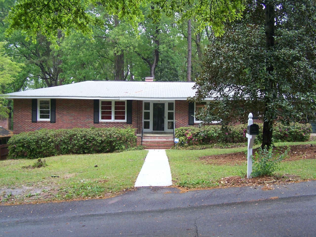 1800 sq ft., ranch style, brick home.