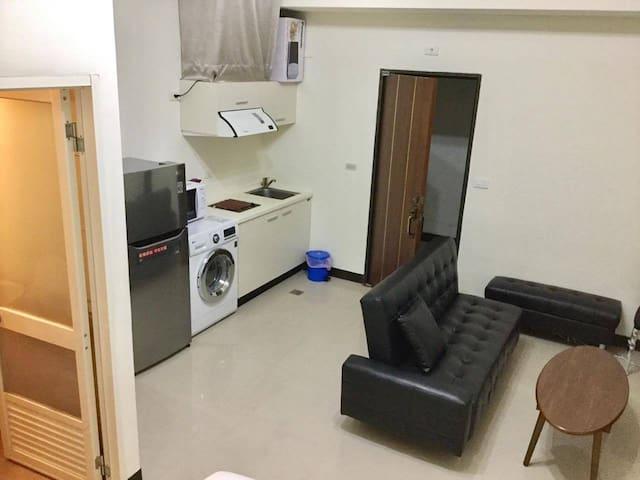 緊鄰MRT .Wi-Fi.月租 電梯24小時飯店式管理 3床家庭號