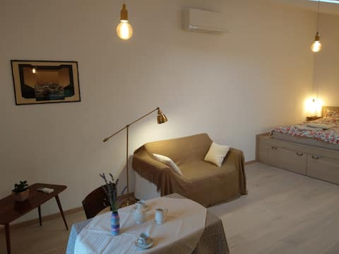 Cosy & cool Studio in charming village