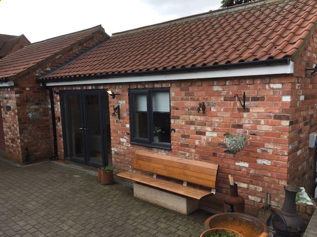Bailiffs cottage annex