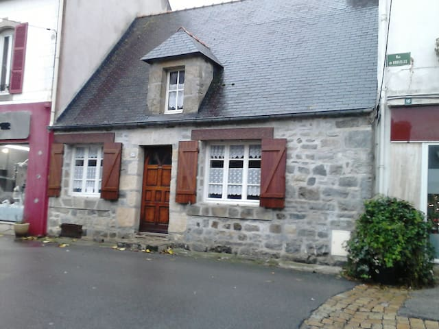 Penty restored at the heart of the district of the - Camaret-sur-Mer - House