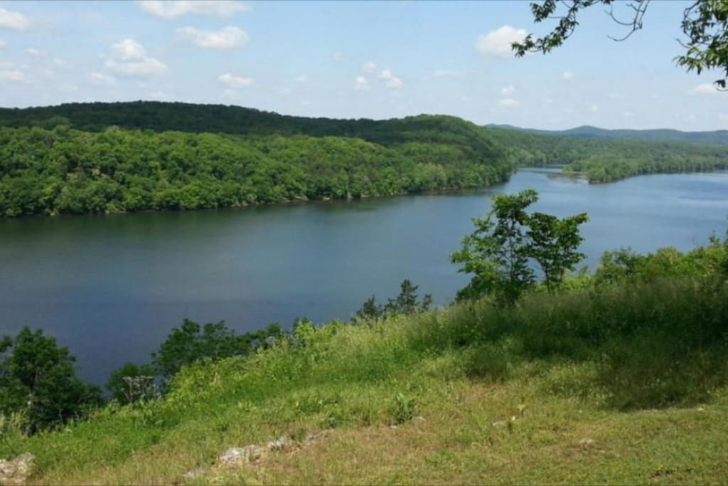 Lake taneycomo views and close to branson houses for for Lake taneycomo fishing