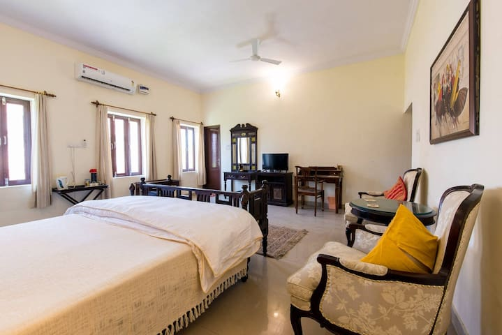 Experience a comfortable stay in Jodhpur