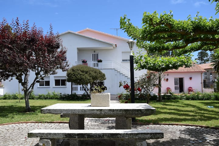 Apartamentos Sandra La Lanzada - Soutullo - Apartment
