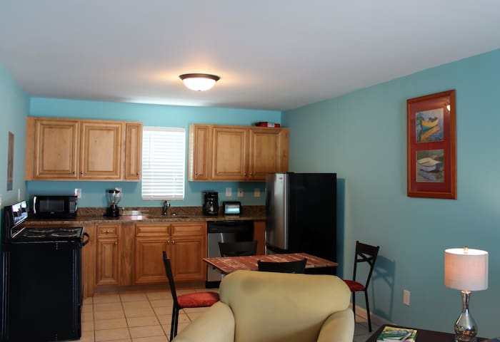 Hillside 2BDRM Unit#3 - North Myrtle Beach