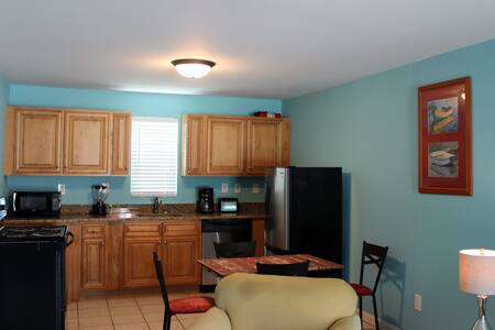 Hillside 2BDRM Unit#3 - North Myrtle Beach - Pis