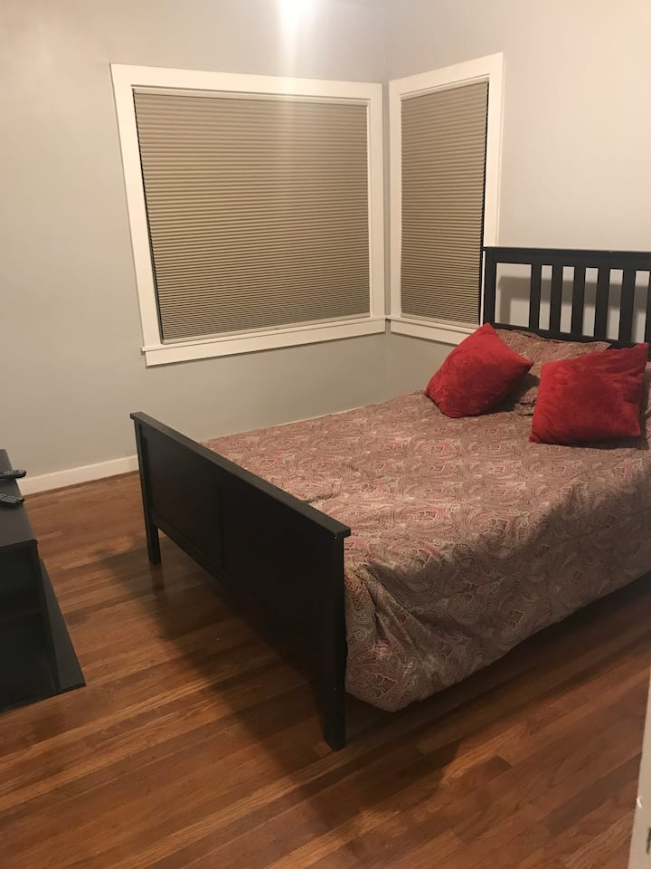 Cozy one bedroom in new Redwood City home!!!
