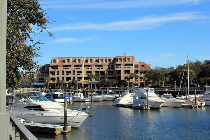 Postcard Marina Views - 2 BR  Dog Friendly in Shelter Cove
