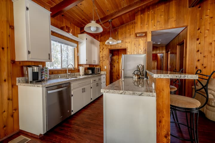 Idyllwild Rustic Luxury Cabin