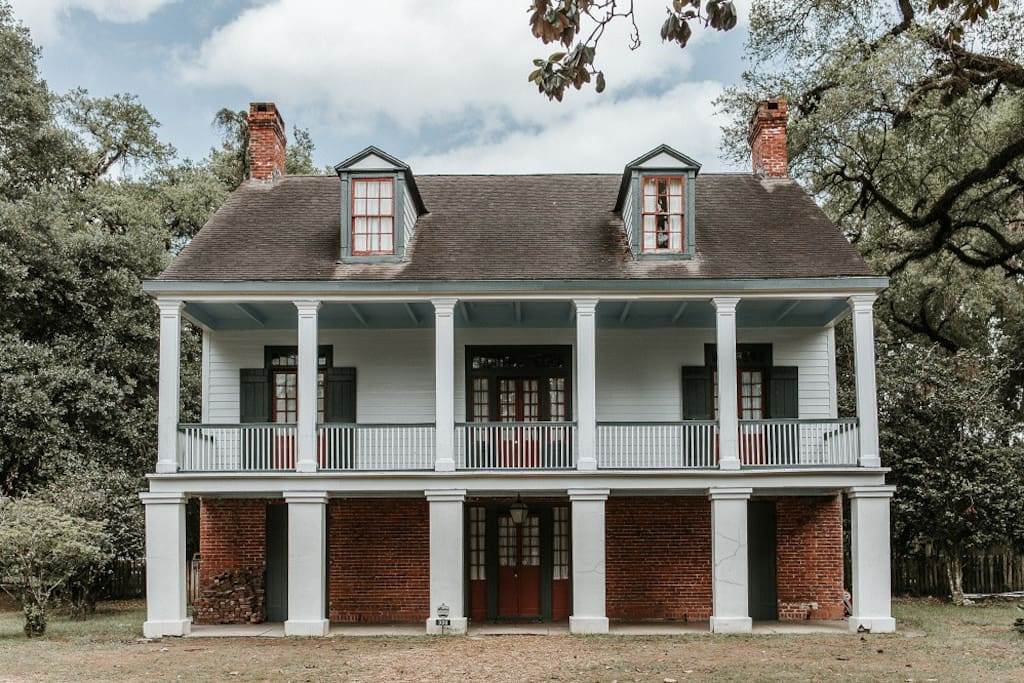 Historic 1820's Plantation Home - Bed and breakfasts for ...
