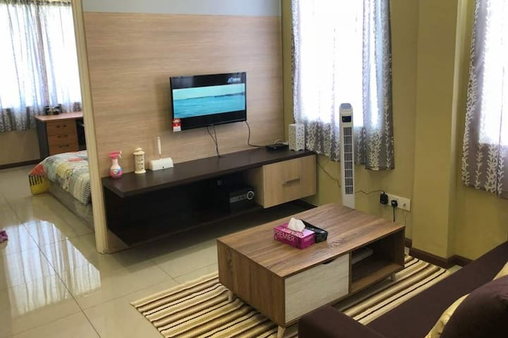 Close to airport @Cozy Budget Apartment, Bukit Vor