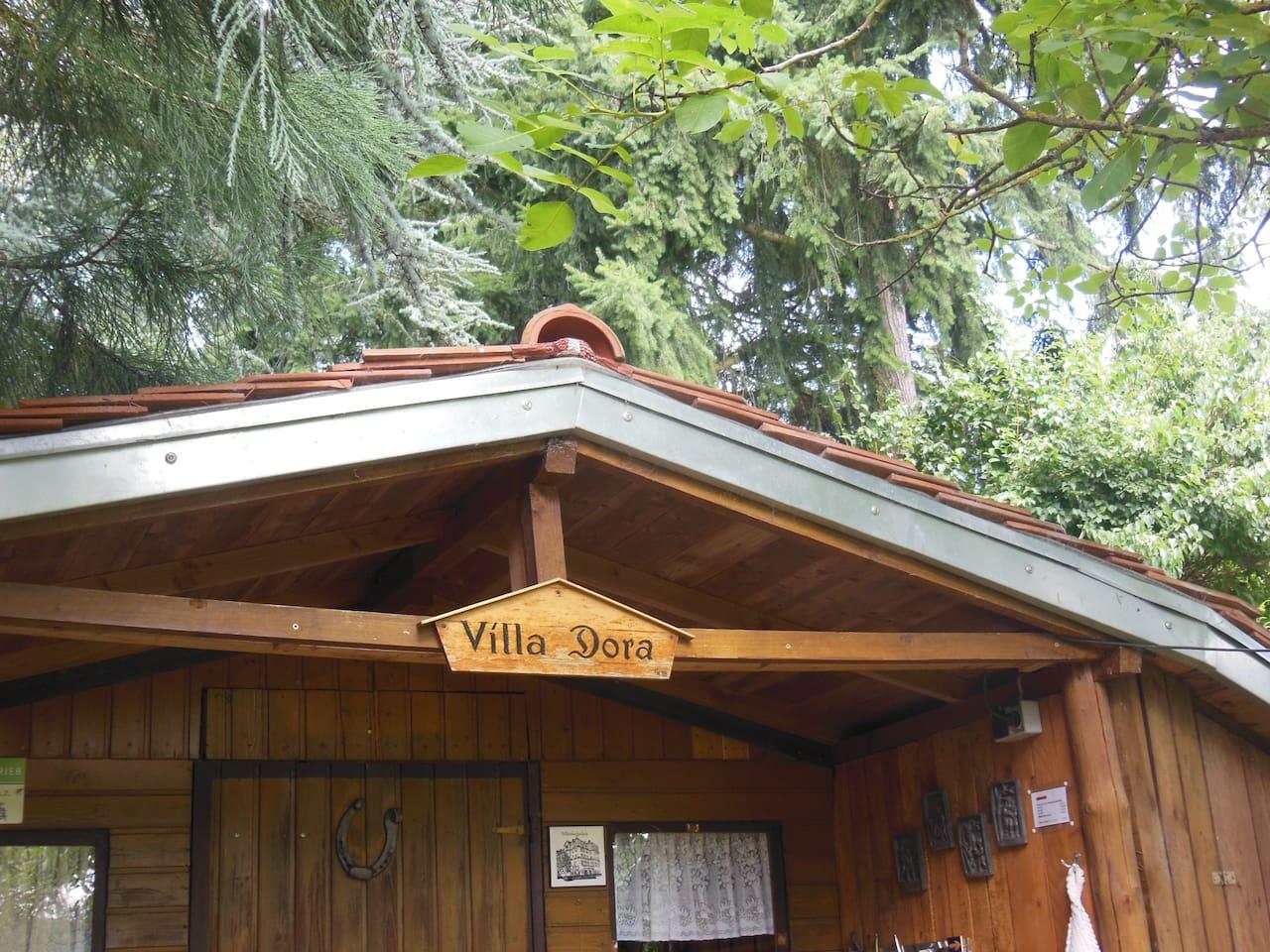 Die Hütte im Garten