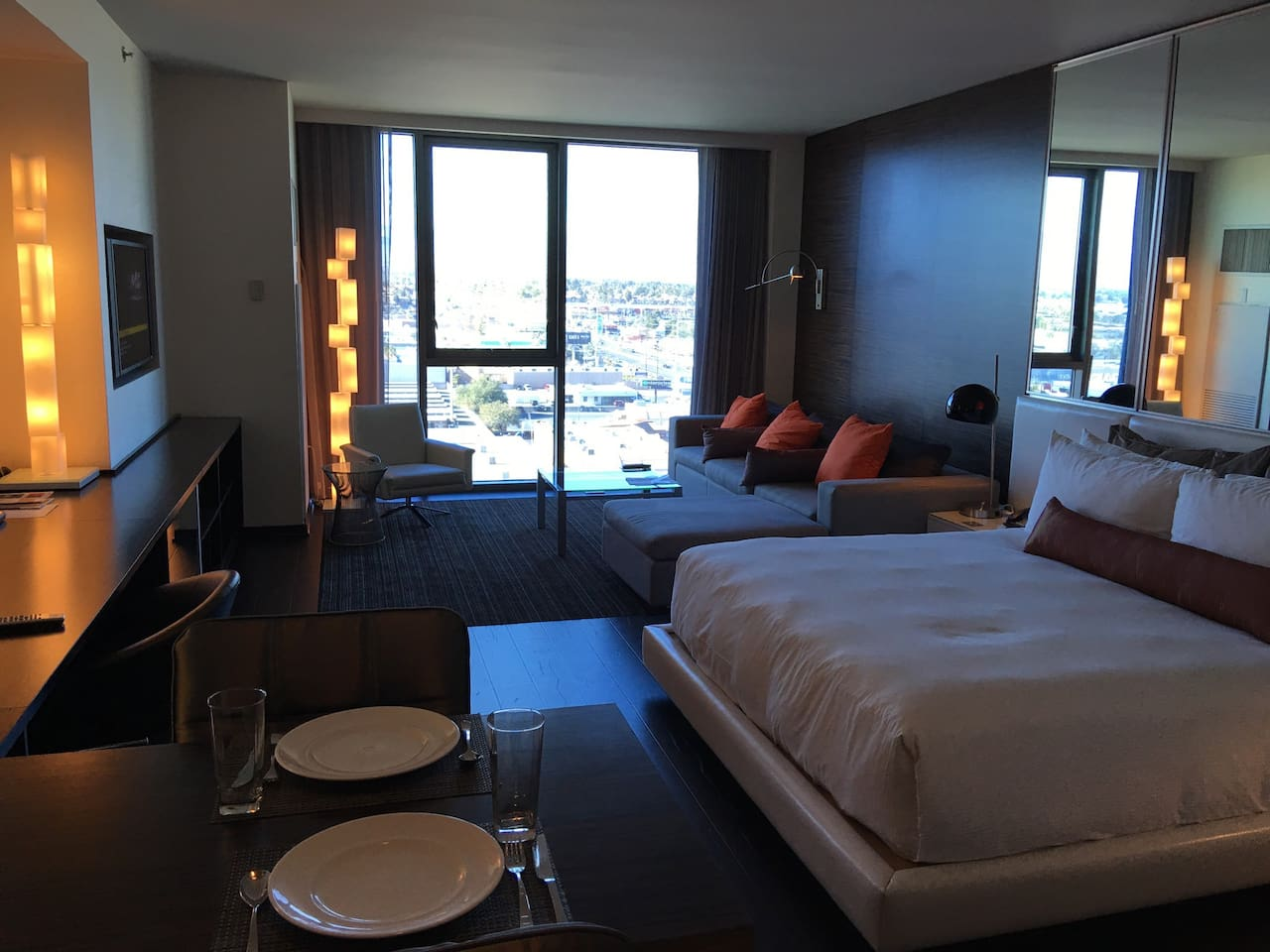 Palms Place 2 Bedroom Suite Palms Place High Rise Condominiums For Rent In Las Vegas Nevada