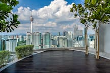 NEW! Designer Suite KL Center with Rooftop Jacuzzi