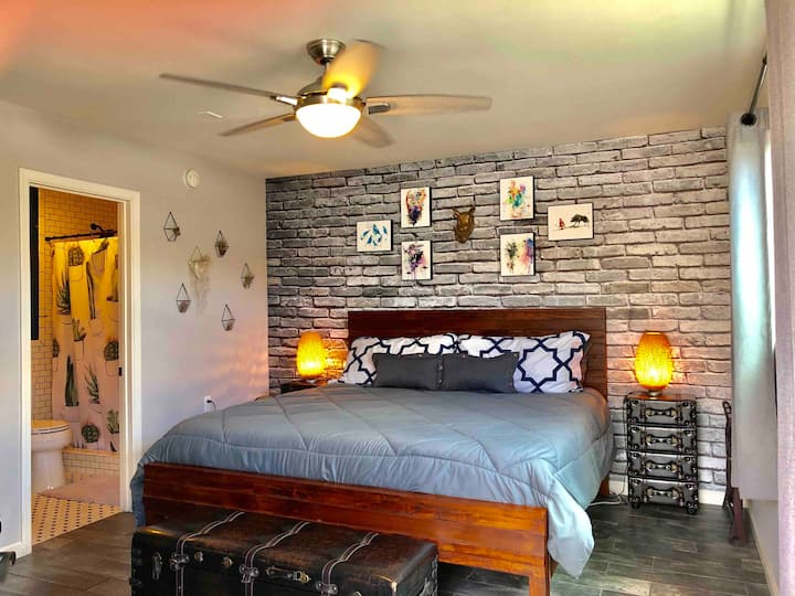 Charming Normal Heights Private Guesthouse