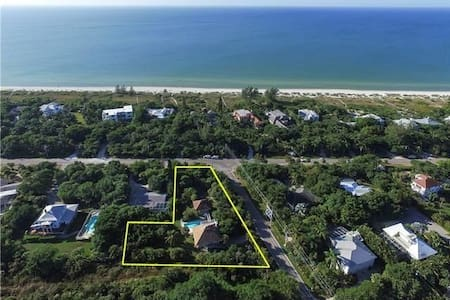 West Gulf Drive 4 Bedroom Beach and Pool - Sanibel
