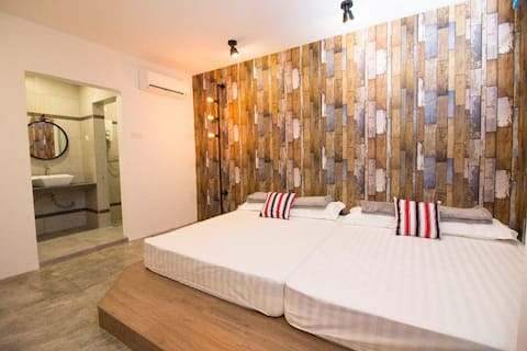 MWV 8303 (jln pesta) family suite 2 Double (LIFT)