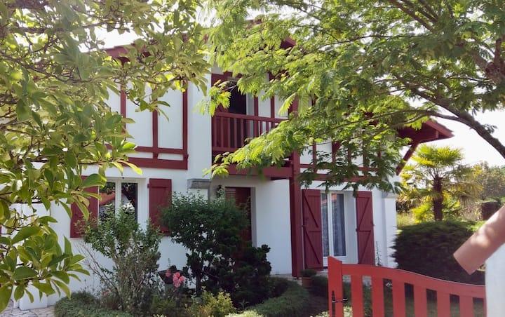 Belle maison Pays Basque, entre Montagne et Océan