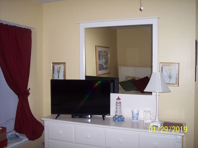 Lakeside cozy condo Great for traveling nurses