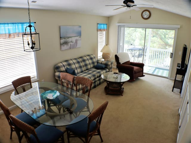 Golf & Beach Retreat ☆ Pool, Hot Tub,  Near Ocean