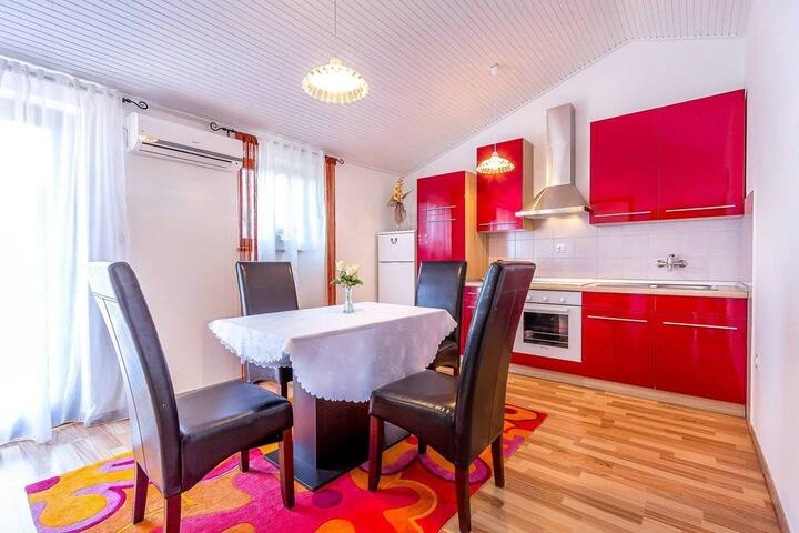 Apartment House Miro (73758-A2)