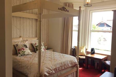 LUXURY FOUR POSTER BEDROOM Near beach - Sandown