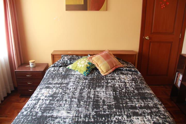 Habitaciones privadas en Cumbayá 5 min de la USFQ