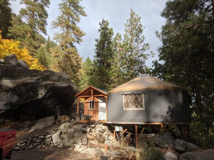 Snow Lakes Yurt