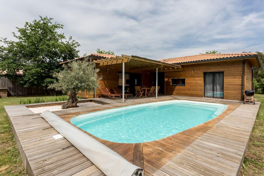 Villa bois piscine chauff e lege cap ferret villas for Piscine bois chauffee