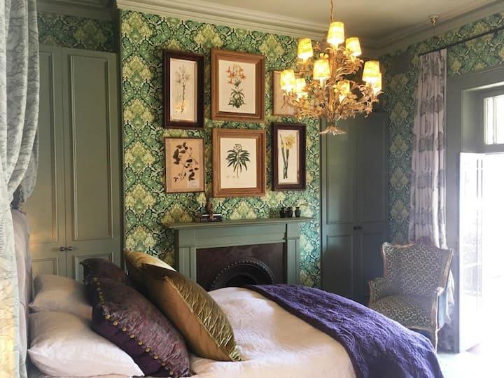 Balcony Room - Historic Rocks House