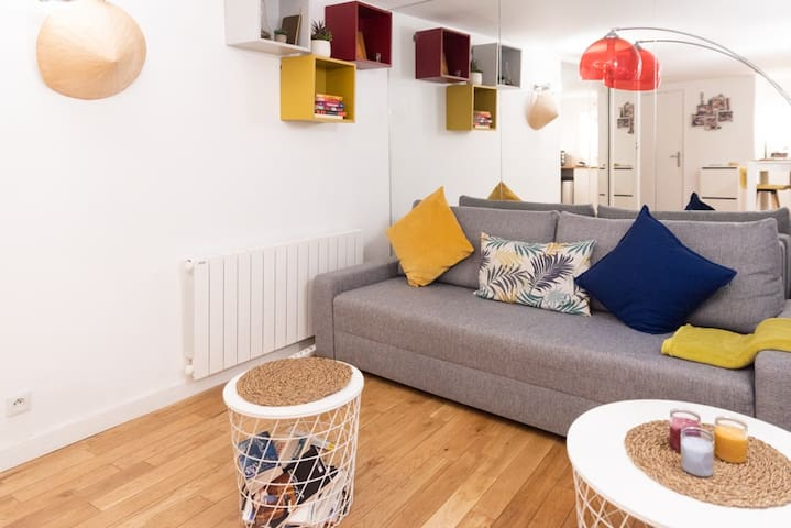 Design and bright apt near Châtelet
