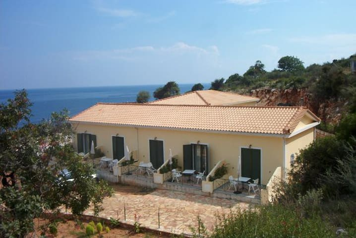 Cefalonia Skala Apartment on the sea - Poros