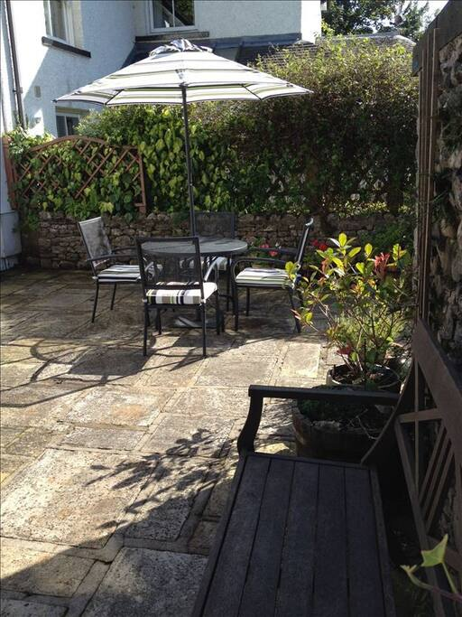 Pleasant Courtyard