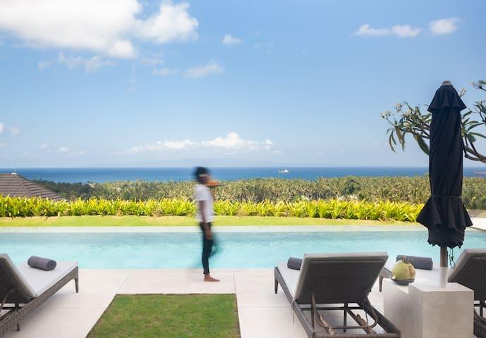 4BR hillside pool villa w/ jungle & sea view - Zen