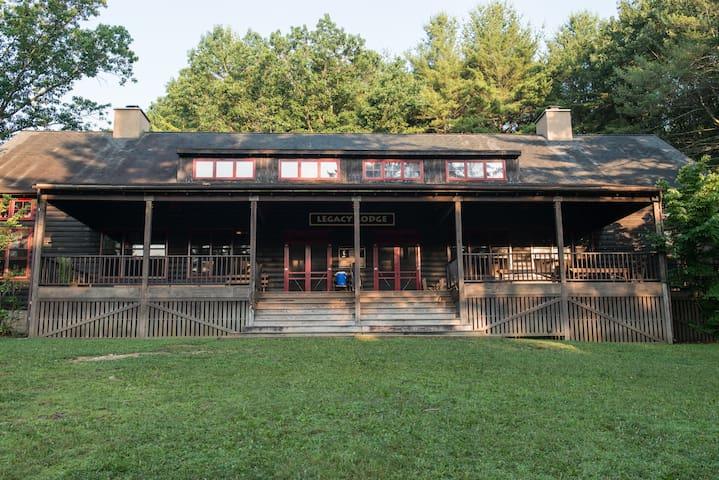 Camp Golden Pond - Legacy Lodge