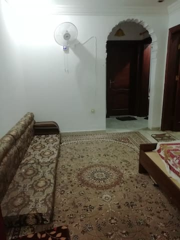 Neat & clean Single Bed Room available in 2 BHKflt