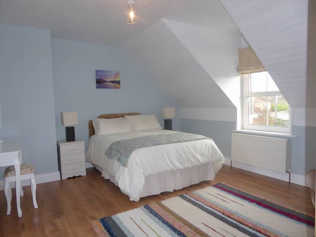 Spacious Room on the Ring of Kerry