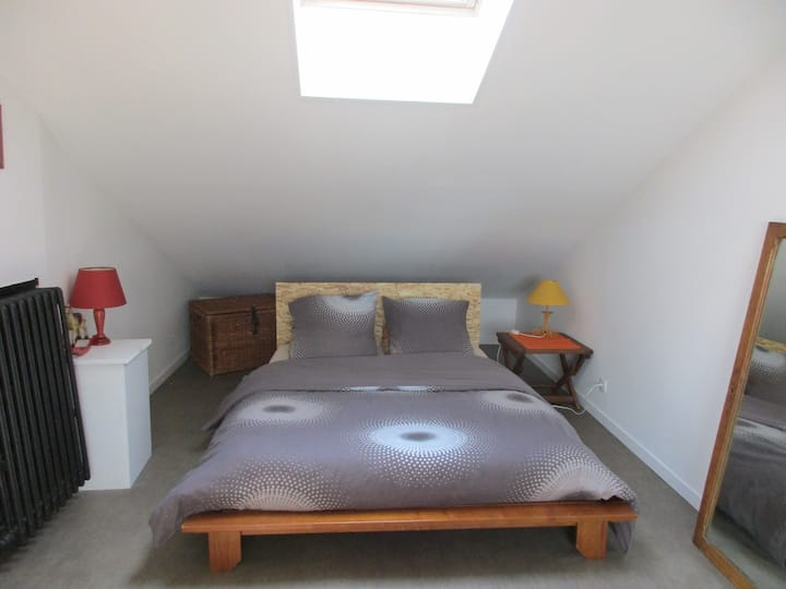 2 Chambre(s) acc. ind.24/24, p.déj, proche centre